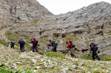 Single Track Biking Adventure in Himalaya
